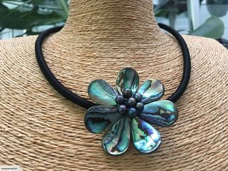 Beautiful Paua/Pearl Necklace